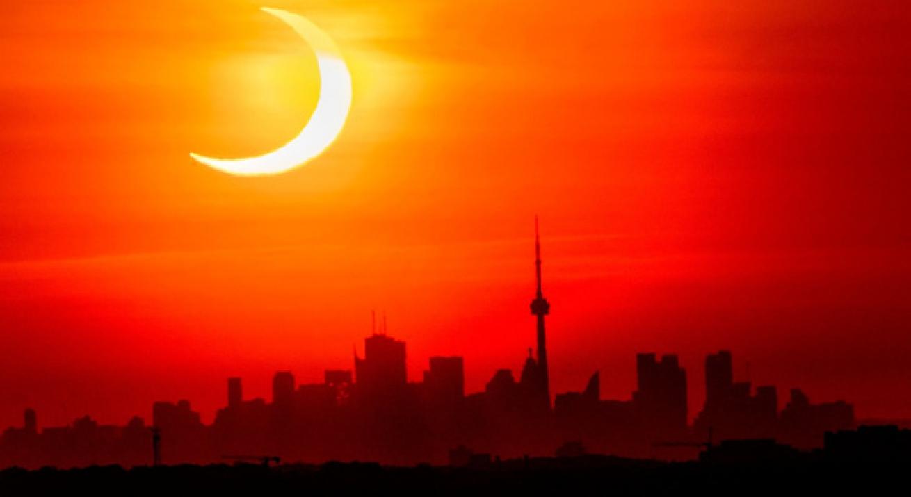 """<i class=""""fa fa-image""""></i>Chiêm ngưỡng ảnh chụp nhật thực 'vòng lửa' ngày 10/6"""