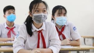 Hà Nội: Học sinh khối 9 và khối 12 hoàn thành chương trình năm học 2020-2021 do diễn biến dịch Covid