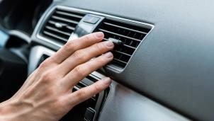 Nguyên nhân và cách khắc phục khi điều hòa ô tô không mát