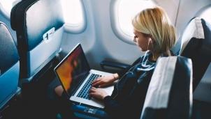 Các hãng hàng không sẽ không phát thanh về việc cấm mang Macbook Pro 15 inch lên máy bay