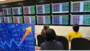"""Chứng khoán phiên sáng 25/11: Những dự báo về """"hồi kết"""" của đại dịch đã đẩy VN-Index vượt mốc 1 nghìn điểm"""