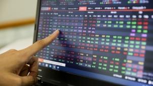 """Chứng khoán phiên sáng ngày 7/8: Thị trường rung lắc nhẹ trước """"khủng hoảng"""" giá vàng"""