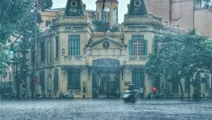 Dự báo thời tiết Hà Nội ngày mai 18/3: Tiếp tục mưa dông do ảnh hưởng của không khí lạnh