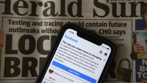 """Facebook """"thổi bay"""" 10% lưu lượng truy cập của truyền thông Australia"""