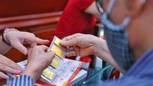 Giá vàng hôm nay 15/10: Giảm mạnh lên tới 400 nghìn đồng mỗi lượng trước áp lực của đồng USD
