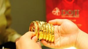 Giá vàng hôm nay 24/11: Giảm mạnh mất mốc giằng co 56 triệu đồng mỗi lượng
