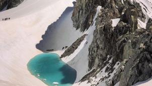 Giải mã bí ẩn của các hồ nước hình thành trên đỉnh Alps