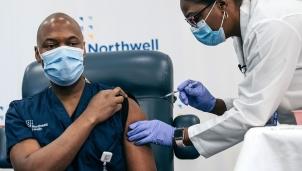 Google chung tay đẩy mạnh chương trình tiêm chủng phòng COVID-19 bằng công nghệ cùng nước Mỹ