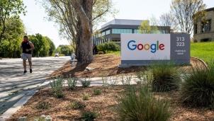 Google - Doanh nghiệp công nghệ Mỹ đầu tiên buộc nhân viên tiêm vắc-xin khi trở lại văn phòng làm việc