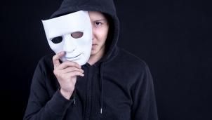 Gương mặt giả - Mặt hàng mới trên internet được phát triển bởi công nghệ AI