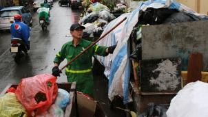 Hà Nội sẽ cần 3 ngày để giải quyết khối lượng rác ùn ứ ở trong nội thành