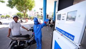 Mở cửa thị trường bán lẻ xăng dầu nhưng Nhà nước vẫn nắm quyền chi phối