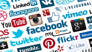 Phương án nào để chuyển giao quyền lực trên mạng xã hội sau bầu cử Mỹ 2020?