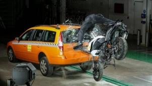 Ra mắt thiết bị báo tin khẩn cấp cho người nhà nạn nhân ngã xe máy