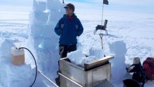 Thềm bằng nguyên vẹn cuối cùng ở Bắc cực đã bắt đầu tan