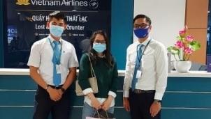 Tiếp viên Vietnam Airline trả lại nhẫn kim cương có giá trị lớn bị thất lạc trên tàu bay