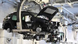 VW vẫn thu về 13 tỉ USD dù chịu tác động kép của dịch COVID-19 và khan hiếm chip bán dẫn