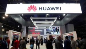 """Huawei dùng mức lương """"siêu khủng"""" để thu hút thiên tài để vực dậy tập đoàn trước cơn """"bão"""" tẩy chay"""