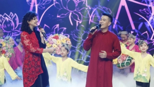 Alushka Linh trong hành trình đón tết cùng VTV