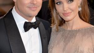 """Angelina Jolie bán bức tranh """"Tower of the Koutoubia Mosque"""" nổi tiếng mà chồng cũ Brad Pitt tặng"""
