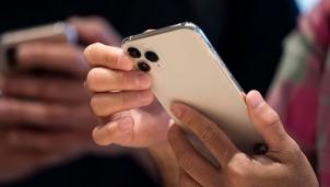 Apple chuyển một số dây chuyền sản xuất iPhone 12 mini sang 12 Pro