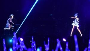 """Ca sĩ """"ảo"""" bước đầu thâm nhập thị trường Trung Quốc"""
