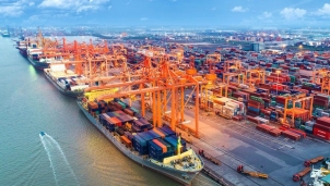 Cảng nước sâu tạo sức bật cho kinh tế cảng biển trong năm 2021