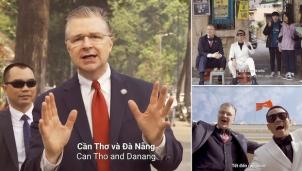Đại sứ Mỹ tại Việt Nam tung ra bản rap Tết Việt Nam khiến truyền thông quốc tế ngạc nhiên