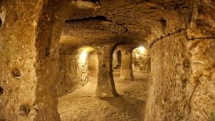 Khám phá thành phố cổ dưới lòng đất từng là nơi ẩn náu của 2 nghìn người