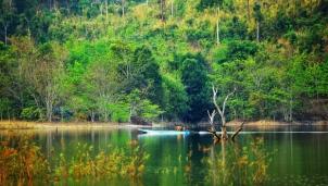 Làng chài Momray giữa lòng hồ thủy điện trên sông Sê San