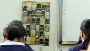 Trung Quốc: Lệnh cấm học sinh mang điện thoại vào lớp