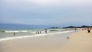 Minh Châu - Bãi biển trải dài bờ cát trắng