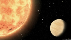 Một hành tinh cháy rực lửa ở sa mạc Hải Vương Tinh