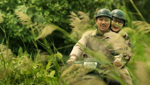 Phim Bố Già khởi chiếu ngày mùng 1 Tết Nguyên Đán 2021
