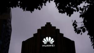 Tin độc quyền Reuters: 'Mỹ xác định Huawei và 19 công ty do quân đội Trung Quốc đứng sau'