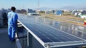 Vẫn sôi động điện mặt trời áp mái