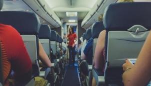 Wi-Fi miễn phí trên máy bay: Tiện ích và rủi ro là gì?