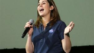 Hành trình của nữ lao động trở thành giám đốc chuyến bay lên sao Hoả của NASA