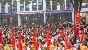 Thầy trò Trường PTTH Nhật Tân tưng bừng chào đón năm học mới 2019-2020