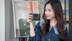Cận cảnh Leica Q2 Monochrom chỉ chụp đen trắng tại Việt Nam