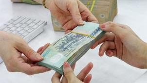 Chuyên gia tài chính cảnh báo rủi ro vay vốn rẻ trong mùa dịch