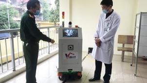 Việt Nam nghiên cứu, chế tạo thành công hệ thống robot chống dịch Covid-19