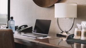 Cách phòng tránh nguy hiểm từ Wifi công cộng của khách sạn