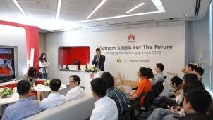 """Huawei Việt Nam: """"Sứ mệnh"""" quan trọng nhất là đào tạo nguồn nhân lực ICT tài năng"""