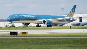 Vietnam Airlines chuyên chở công dân Anh và công dân Việt Nam hồi hương