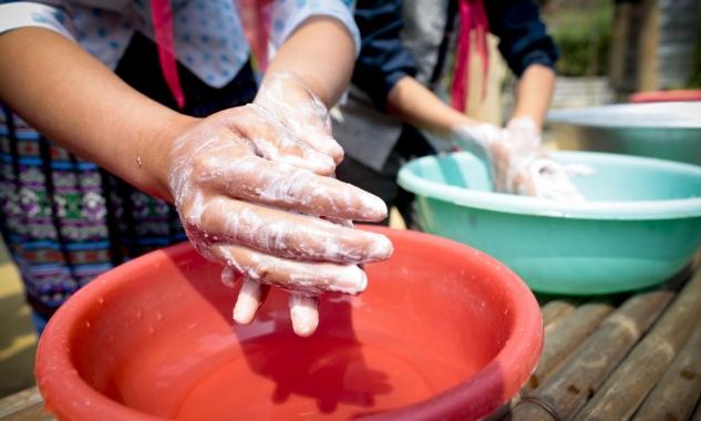 Cập nhật tình hình dịch COVID-19: Gần nửa số trường học trên thế giới thiếu điều kiện rửa tay cơ bản