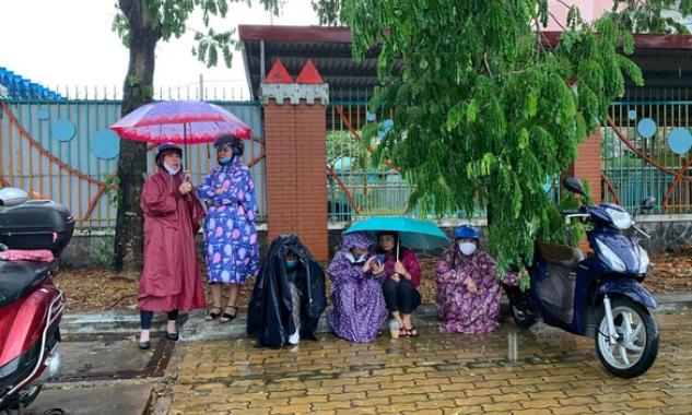 Bão Jangmi và áp thấp nhiệt đới gây mưa toàn Nam Bộ những ngày tới