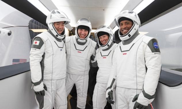 SpaceX đưa 4 nhà du hành lên ISS