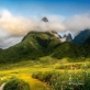 Mây vờn đỉnh núi Chu Va
