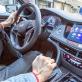 Lái xe an toàn: Vào nhầm số lùi khi xe đang đi, gây ảnh hưởng gi?